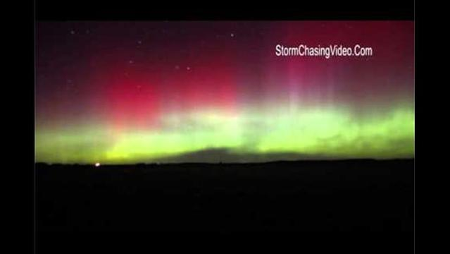 Storm chaser catches spectacular Northern Lights over Minnesota