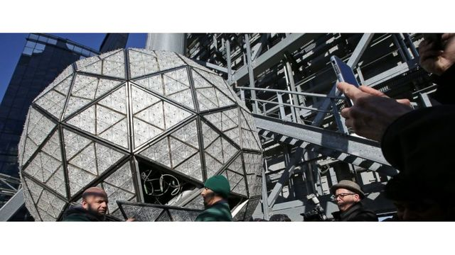 new years eve ball gets hundreds of new crystals